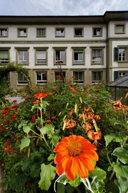 Bauerngarten, Institut Hauptgebäude