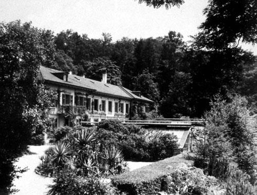 Institutsgebäude (etwa um 1911)